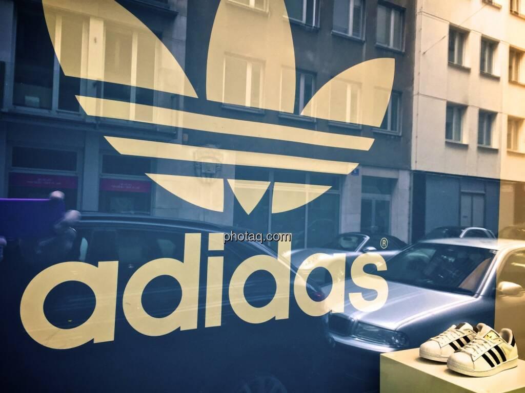 Adidas will geschichte schreiben christian hendrik knappe for Spiegel geschichte logo